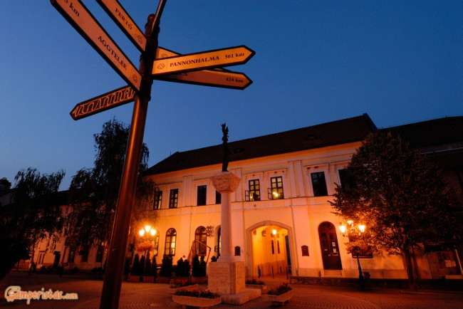 Hungary, Tokaj town, Kossuth square, statue of king Stephan