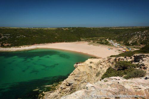 Questo è un altro paradiso dove ci siamo fermati in Portogallo, molto meno conosciuto e preferisco