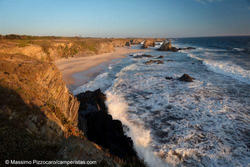 Portugal, Alentejo, Porto Covo. Praia do Somouqueira