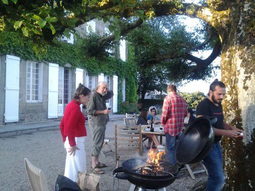 Preparativi per la cena a casa dei nostri amici a Saint-Exupéry-les-Roches