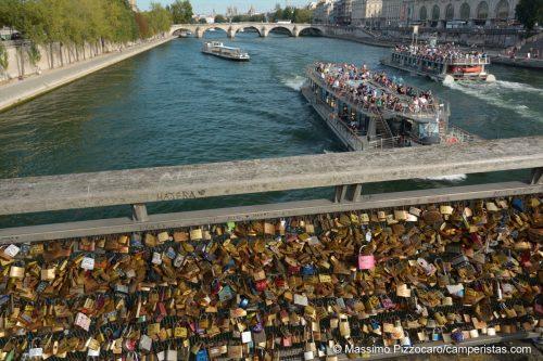 Il Ponte des Arts, ancora pieno di lucchetti.