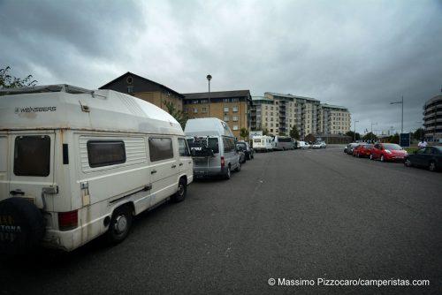 Il parcheggio per i camper vicino all'Ocean Terminal a Leith [55.97885, -3.17813]. Comodo per prendere un bus per il centro.