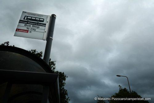 Il cielo grigio di Edimburgo, a volte sembra di guardare una foto in bianco e nero