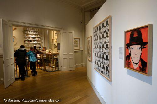 La mostra temporanea di Joseph Beuys e il laboratorio di Eduardo Paolozzi.