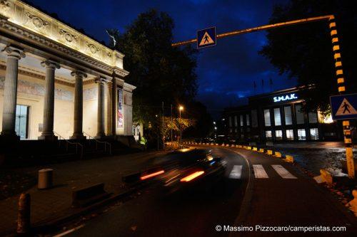 I due musei d'arte, classica e moderna, uno di fronte all'altro